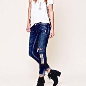 Free People embroidered artisan jeans 👖